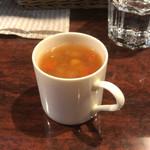 86305878 - ランチの可愛らしいカップスープ。