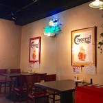 アンガスプライム牛ステーキと創作オムライス Beer House KISH - 店内風景。