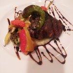 グストーソ 銀座 - 牛ホホ肉のコンフィ