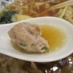 中国ラーメン 揚州商人 - ワンタンの肉