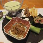 古拙 - ホタルイカ、シラウオの天ぷら、蕎麦のお寿司、蕎麦どうふ、ヤングコーン