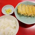 86319164 - 焼餃子(一人前)ライス、お新香