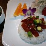 ハワイアンカフェ&バー マハロ - *アヒポキ丼*