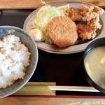串だおれ - ミックスフライ定食