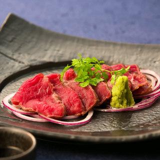 ブランド牛を使用した自慢の肉料理