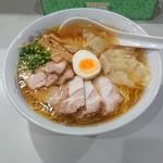 再来軒 - 醤油ワンタンチャーシュー麺!うまい!