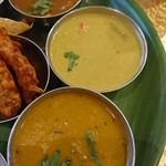 86347592 - ラサムスープ、野菜カレー、サンバルカレー