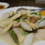 清香園 - 烏賊、帆立と季節野菜の塩味炒め