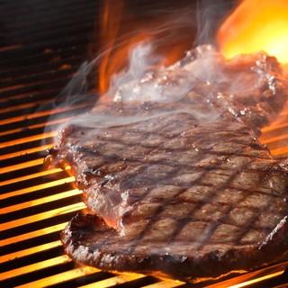 素材の味を引き出すチャコール(炭火)で焼き上げています◎