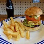 SelFish Diner - マグロバーガー 1000円 + ポテトドリンクセット 500円