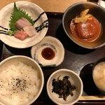 串焼き・魚 新宿宮川 - 日替わりコンビランチ  908円(税別)