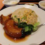横浜中華街 景珍樓 - は豚バラ肉の角煮チャーハン
