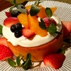 カフェ フクモリ - 料理写真:「フクモリのホットケーキ 季節の山形果物とたっぷりクリーム」