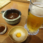 神鶏 - 生ビールとお通しのシジミ汁。