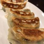 中華料理 銀河楼 - 焼きギョウザ