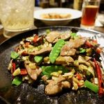 石庫門 - 重慶磁器口名物、泡椒炒肝片