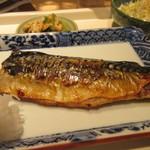 佳人 - メインの鯖は脂の乗った鯖を丁寧に焼いてくれたので皮はパリっと焼かれてとても食べ易かったです。