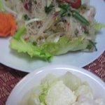 チェンマイ - サラダです、春雨っぽいやつ。