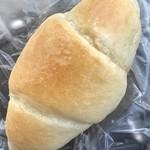 86390748 - 塩ロールパン