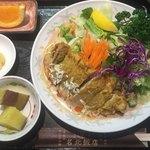 名北飯店 - 排骨冷し坦々麺¥950