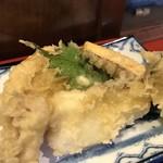 香の木 - 天ぷらは5点盛り、鯛、タコ、竹の子、さつまいも、大葉(2018.5.24)