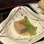 香の木 - ゴマ豆腐、フキ添え(2018.5.24)