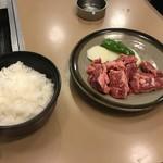 86397783 - ご飯と肉皿