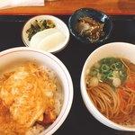 86399470 - カツとじ丼とかけ蕎麦のミニミニセット700円(^^)