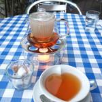 天現寺カフェ - 昔から♡型のティーカップ