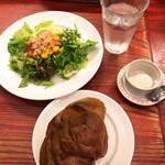 torattoriamakko - サラダとポップオーバー