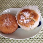 カメヤ ベーカリー - アンパン&紅茶とリンゴのパン