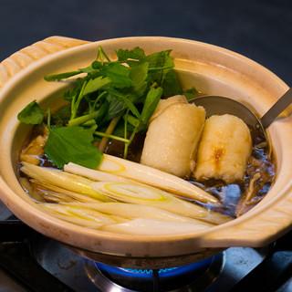 きりたんぽはもちろん、ハタハタ寿司など、秋田の郷土料理が歓待