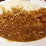 CoCo壱番屋 - チキンにこみカレー701円 福神漬け、とび辛スパイストッピング