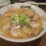 豚吉 - とんこつラーメン+チャーシュー。(¥1,000-)