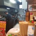 龍鳳苑 - 厨房の様子