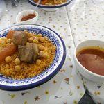 ブラッスリージェルバ -  注文してから10分ほどでスープと共に「ラムのクスクス」がドーン!と登場!