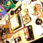 もみじ屋 - 刺身、カルパッチョ、山芋揚げ、チーズダッカルビ