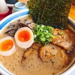 麺屋大谷 - 料理写真:特製九州豚骨ラーメン♪
