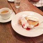 ムーン ミカ タカハシ コーヒー サロン -