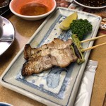 秋吉 - 豚バラ串。  コレも美味いな。豚のアブラって甘くて美味いね^^  チューリップ売り切れて無かったのが残念・・・