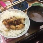 秋吉 - カワ飯。  もう美味しすぎて辛い・・・