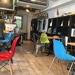 Kanda Food Market - カラフルな椅子達