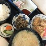 ふる里 - 料理写真:唐揚げランチ