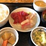和鮮 しんま - 三色丼700円