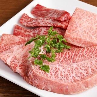 素材の質にこだわった肉料理