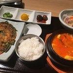 JIJIMI GO - JIJIMI GO定食(スンドゥブチョイス)1,080円