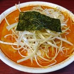 美豚 - 辛らーめん(3辛)+1玉+ネギ+味玉