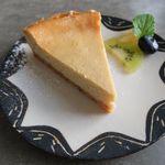 cafe&shop kaguya  - ベイクドチーズケーキ