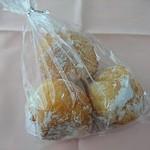 ブローチ - 料理写真:あんドーナツ