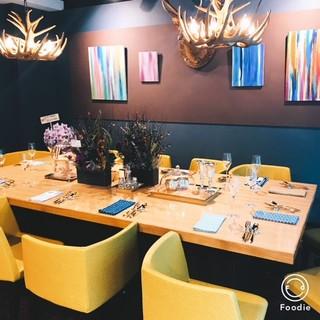 多彩な席が魅力♪カジュアルな雰囲気!カウンター・個室も。